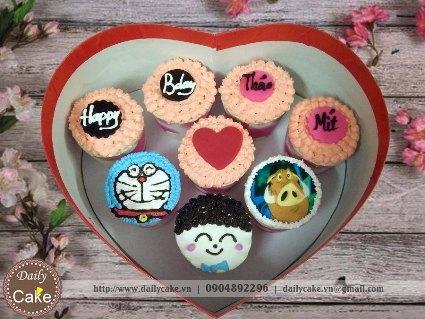 Bánh cupcake hộp trái tim – 001