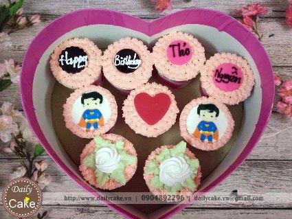 Bánh cupcake hộp trái tim – 002