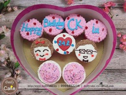 Bánh cupcake hộp trái tim – 003