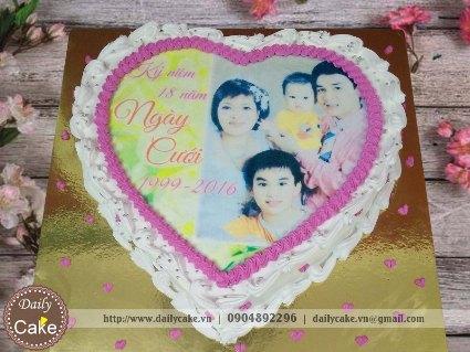 Bánh hình tim in ảnh kỷ niệm ngày cưới