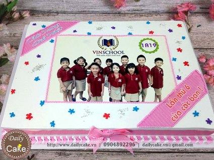 Bánh in ảnh sinh nhật tháng của các bạn trong lớp