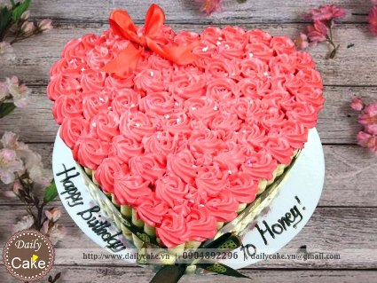 Bánh kem bó hoa hồng hình tim 003