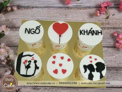 Bánh cupcake fondant kỷ niệm tình yêu lãng mạn