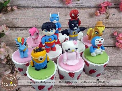 Bánh cupcake fondant siêu nhân và các nhân vật yêu thích