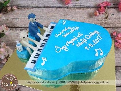 Bánh fondant sinh nhật ông và cháu chơi đàn piano
