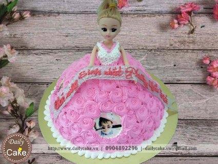 Bánh sinh nhật búp bê barbie 002