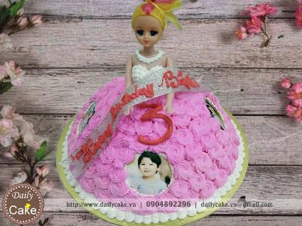 Bánh sinh nhật búp bê barbie 003