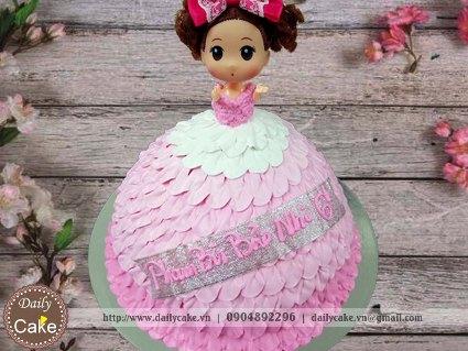 Bánh sinh nhật búp bê chibi 010