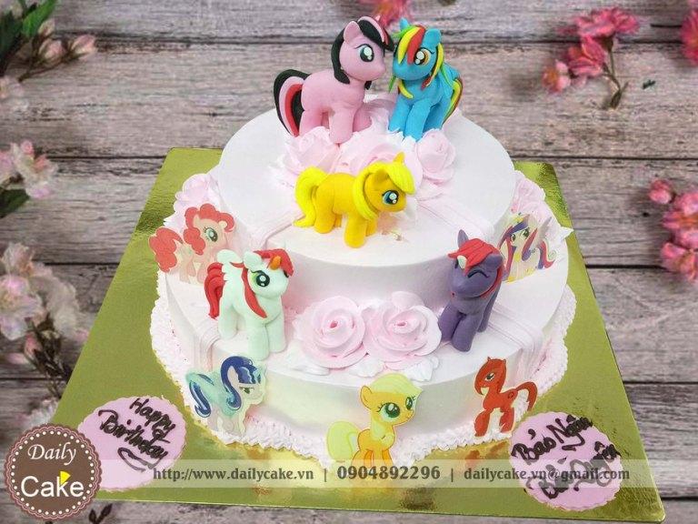 Bánh sinh nhật fondant hai tầng ngựa pony