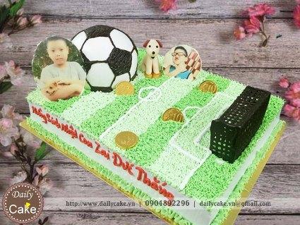Bánh sinh nhật in ảnh hình sân bóng đá