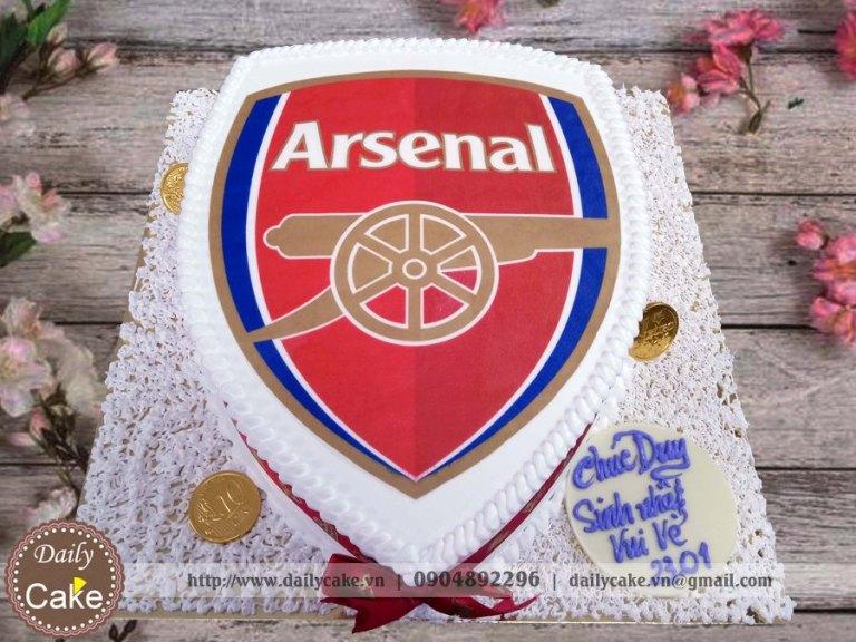 Bánh sinh nhật in ảnh logo câu lạc bộ Arsenal